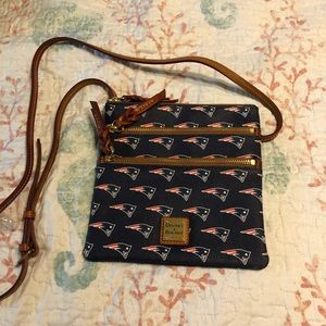 NFL Patriots Double Zip Crossbody